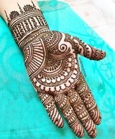 No occasion is carried out without mehndi as it is an important necessity for Pakistani Culture.Here,you can see simple Arabic mehndi designs. Henna Hand Designs, Mehndi Designs Finger, Full Hand Mehndi Designs, Simple Arabic Mehndi Designs, Mehndi Designs For Beginners, Wedding Mehndi Designs, Tattoo Designs, Mehandi Designs Easy, Mehandi Design Simple