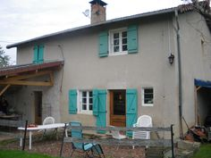 It is in the quiet of the brionnaise countryside between Ligny en Brionnais and St Maurice the Châteauneuf, alongside a small country road that found this pretty House surrounded by its garden of 1600 m 2 with orchard ..Ideal if you are looking for tranquility. Ref: 14566: price 140.000 euro...For more info contact Christiane commercial officer 06 86 68 54 42 or email agence@devin-immobilier. com status negotiator, commercial agent status