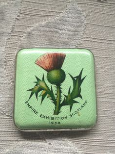 Rare Vintage Powder Compact by Gwenda and from Empire Exhibition Scotland 1938