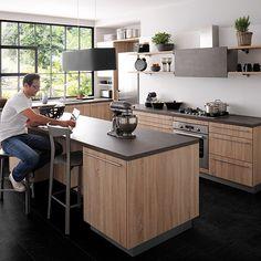 le modèle que nous avons finalement choisi ! Cuisinella Label plaqué chène T Wooden Kitchen, Kitchen Dining, Kitchen Decor, Nice Kitchen, Dining Room, Mini Loft, My House Plans, Küchen Design, Kitchen Interior
