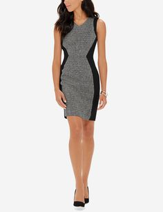 Form flattering colorblocking has a super slimming effect, with a classic tweed look that embodies timeless elegance.