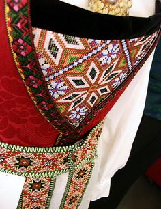 The intricately detailed belt and bodice of a Hardangerbunad. Hardanger Embroidery, Folk Embroidery, Folk Costume, Costumes, Norwegian Clothing, Norwegian Style, Traditional Dresses, Girl Dolls, Norway Clothes