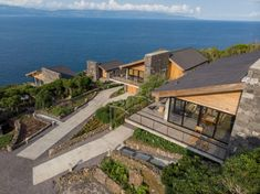 Image 21 of 52 from gallery of Lava Homes / Diogo Mega Architects. Photograph by Miguel Cardoso Lava, Beach Design, Innovation Design, Old Houses, Interior And Exterior, Facade, House Design, Mansions, Architects