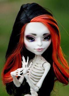 Monster High OOAK  Camilla  Skelita by SunisCustomCreations