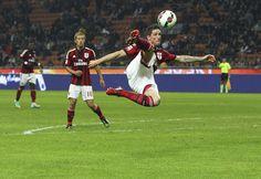 Fernando Torres Photos: AC Milan v ACF Fiorentina - Serie A