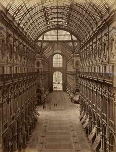 Giacomo Brogi   Milano, Galleria Vittorio Emanuele   1870 (ca)     Albumen print from glass plate negative   25 x 19 cm (image)