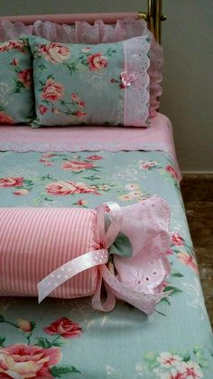Slip-resistant Sofa Cushion Covers Continental Sofa Fabric Cushions four Seasons Luxury Minimalist Modern Fashion Slipcover Shabby Chic Pillows, Chic Bedding, Shabby Chic Bedrooms, Shabby Chic Decor, Sofa Cushion Covers, Cushions On Sofa, Bed Covers, Duvet Cover Sets, Sewing Pillows