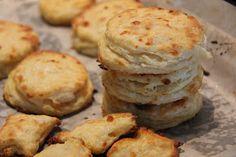 { Little Accidents in the Kitchen }: Mozzarella Buttermilk Biscuits