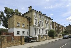really good 2 bed 2 bath. Great value 1668pcm