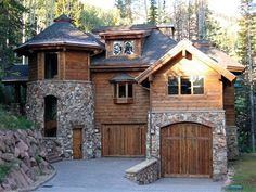 river stone veneer siding - love the stone and wood and lowel level entry