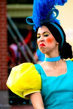 Evil step sister from Cinderella Cinderella Stepsisters, Cinderella Makeup, Cinderella Musical, Cinderella Costume, Disney Makeup, Walt Disney, Disney Cast, Disney Halloween, Halloween Fun