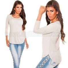 #Original #camiseta @mujer #diseño semi #holgado de #mangalarga y corte #sofisticado de #estilo #casual con #cremallera en la #espalda y #tejido #elastico @estampado de #rayas suaves para #complementar un #look @joven y #desenfadado en nuestro #dia a dia. Encuentrala en #Tops y #Camisetas de http://www.agiltienda.com/es/home/2306-camiseta-casual-con-cremallera.html #online @shop @agiltienda.es