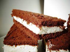 inser Kuchlbiachl: Milchschnitten ganz einfach selber herstellen Baking Recipes, Cake Recipes, Dessert Recipes, 5 Ingredient Desserts, German Baking, Different Cakes, Sweet Pastries, Everyday Food, Cakes And More