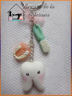 Llavero de Dentista en Porcelana Fria
