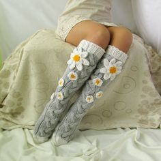 Grey socks with Сamomile. Handmade Knee high Socks Woo… Grey socks with Сamomile. Knitting Socks, Hand Knitting, Knitting Patterns, Crochet Patterns, Knit Socks, Scarf Patterns, Crochet Gifts, Knit Crochet, Crochet Stitch