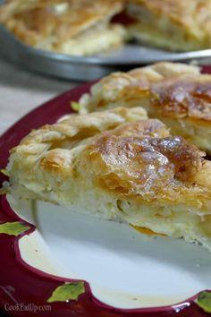 tyropita me simigdalokrema Serbian Recipes, Greek Recipes, Pie Recipes, Cooking Recipes, Greek Pastries, Georgian Food, Cheese Pies, Pie Dish, Food For Thought
