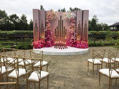 Wedding Reception Backdrop, Wedding Stage Decorations, Wedding Photo Walls, Marriage Decoration, Wedding Altars, Deco Originale, Decoration Inspiration, Event Decor, Marie