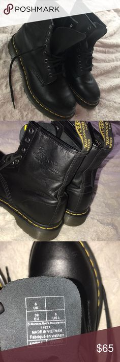 🆕 New Dr Martens These are brand new i've worn them once, theyre in a size 8. Its leather with yellow detail! •No Trades •I ship the day after item has been sold •Any questions, please comment! ♥️ MAKE AN OFFER💸 Dr. Martens Shoes Combat & Moto Boots