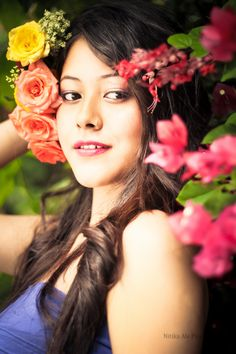 #floral #portrait #colors #happy #photoshoot #concept #nitikaalephotography #photography