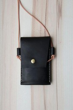 All in one handmade leather mobile phone case hanging neck dorsal YAZUZ TW Wallets Leather Cell Phone Cases, Sewing Leather, Leather Projects, Mobile Phone Cases, Leather Pouch, Leather Accessories, Leather Jewelry, Phone Accessories, Portable