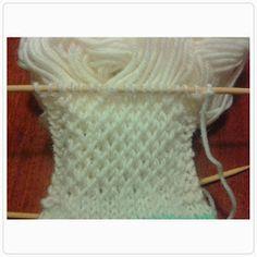 Lumioosi: Löytöjä kaapista Crochet Socks, Knitting Socks, Mittens, Tatting, Pattern, Diy, Accessories, Crocheting, Slippers