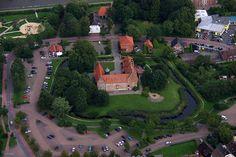 Burg Bederkesa by Jan Czonstke