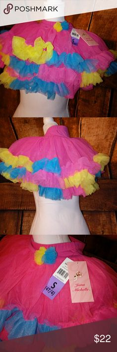 NET GIRLS BRIGHT PINK TUTU'S MULTI SIZES These are very full bright pink bright yellow bright blue tutus there by Jonah Mitchell and I have them in two different sizes a small which is a 4 to 4T and I have an extra small which is a 2T to 3T Jona Michelle Dresses