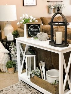 Hottest Farmhouse Living Room Decor Ideas That Looks Cool 47 Decor, Rustic House, Sofa Table Decor, Home Decor, Rustic Home Decor, Room Decor, Apartment Decor, Country House Decor, Console Table Decorating