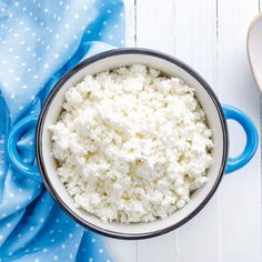 Cheese Nutrition Benefits + Cottage Cheese Recipes Is Cottage Cheese Good for You? Benefits of Cottage Cheese NutritionIs Cottage Cheese Good for You? Benefits of Cottage Cheese Nutrition Pizza Nutrition Facts, Coconut Milk Nutrition, Pasta Nutrition, Chocolate Nutrition, Vegetable Nutrition, Food Facts, Health, Diet And Nutrition