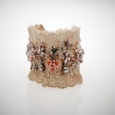 Antique Lace Cuff - so gorgeous, you could wear it anywhere. Lace Jewelry, Textile Jewelry, Fabric Jewelry, Jewelry Crafts, Bridal Jewelry, Jewellery, Fabric Bracelets, Lace Bracelet, Handmade Bracelets