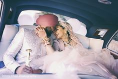 indian wedding photography poses bride and groom pdf Sikh Wedding Dress, Punjabi Wedding, Desi Wedding, Wedding Poses, Wedding Couples, Boho Wedding, Gift Wedding, Farm Wedding, Wedding Shoot