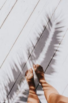 Girl standing on a wooden deck. Visit Kaboompics for more free images. | free image by rawpixel.com Blue Sky Background, Textured Background, Palm Tree Images, Seasonal Image, Palm Tree Silhouette, Beach Frame, Minimal Photography, Free Hand Drawing, Image Fun