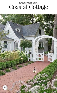 (Swipe ◀️) I love red brick paths lined with boxwoods and white picket fences. Check out this excellent exterior cottage update by… Cottage Living, Cozy Cottage, Coastal Cottage, Cottage Homes, Cottage Style, Cottage Porch, Porte Cochere, Garden Design, House Design