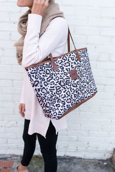 Talking Totes with Barrington Gifts - by Loverly Grey Fall Winter Outfits, Winter Style, Autumn Winter Fashion, Spring Fashion, Women's Fashion, Fashion Outfits, Barrington Gifts, Christmas Shopping, Girl Stuff
