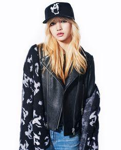 """lisa for "" 2ne1, South Korean Girls, Korean Girl Groups, Lisa Bp, Lisa Blackpink Wallpaper, Jennie, Just Girl Things, Blackpink Jisoo, Kpop Fashion"