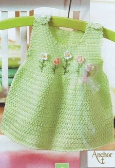 baby dress in crochet – Knitting and crocheting Baby Girl Crochet, Crochet Baby Clothes, Crochet For Kids, Crochet Hats, Crochet Dresses, Baby Outfits, Toddler Outfits, Kids Outfits, Baby Dresses
