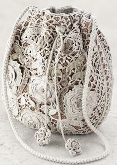 Beautiful Irish crochet purse ~looks like lace… - seen on Pinterest, loved and…