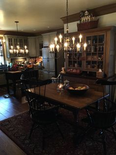 .I'm mesmerized by this kitchen...VERY LOVELY!