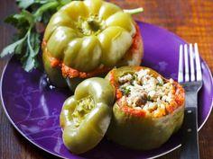 Paprika mit Reis gefüllt auf ungarische Art ist ein Rezept mit frischen Zutaten aus der Kategorie Fruchtgemüse. Probieren Sie dieses und weitere Rezepte von EAT SMARTER!
