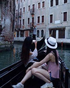 Instagram의 @kangyiseul1007님: 호불호가 많이 갈리는 물의도시 #베네치아 버스도 배 택시도 배 자가용도 배 골목골목엔 아스팔트 대신 물 나는 호불호 중 호호호호호호호호호호호!!!!!!!! #곤돌라