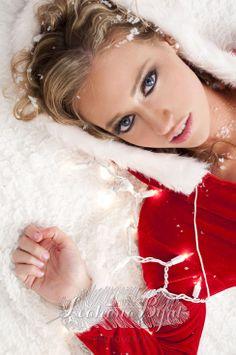 Santa Baby boudoir shoot * Christmas inspired boudoir photography * sexy * Portland Oregon photographer * Leahana Byrd Photography * #thebyrdistheword