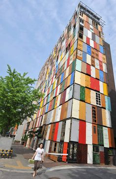 10 story building of recycled doors in Seoul, by Architect Jeong-Hwa