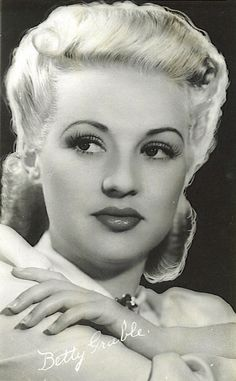 Betty Grable, singer, dancer, actress, pin up model Hooray For Hollywood, Hollywood Icons, Old Hollywood Glamour, Golden Age Of Hollywood, Vintage Hollywood, Hollywood Stars, Classic Hollywood, Classic Actresses, Actors & Actresses