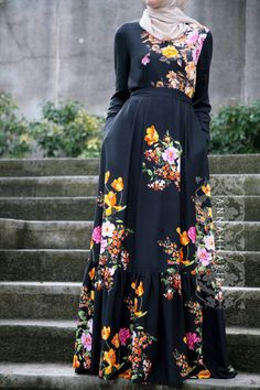 Modest wear, Muslim clothing, maxi black floral dress, Hijab suitable for summer and warm weather. Hijab Outfit, Hijab Dress, Dress Up, Modest Wear, Modest Dresses, Modest Outfits, Modest Clothing, Abaya Fashion, Muslim Fashion
