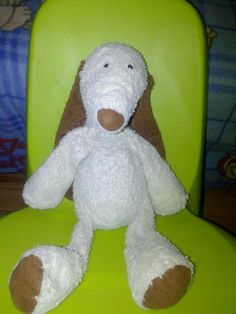 Found on 24 Jul. 2016 @ Budapest Nemzetközi Repül?tér. I found the jellycat doggy in Budapest Ferihegy Airport. If you lost this, write me. :) I think he is sad :( Visit: https://whiteboomerang.com/lostteddy/msg/ekcln4 (Posted by Nikolett on 06 Aug. 2016)