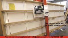 One of the world's most compact moving-column wall saws, and the most economically priced. Zapkut ZM vertical panel saws offer plunge and bevel capability an. Serra Circular, Circular Saw, Sierra Vertical, Panel Saw, Wood Tools, Metal Projects, Modern Kitchen Design, Carpentry, Woodworking Crafts