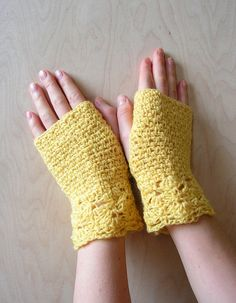 Knitted fingerless gloves #fashion