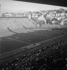 Estádio do Pacaembu, São Paulo, SP. 1953. Foto: Alice Brill