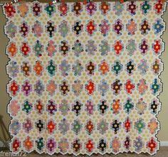 DAZZLING-Vintage-40s-Field-of-Diamonds-Flower-Garden-Antique-Quilt-SMALL-PIECES