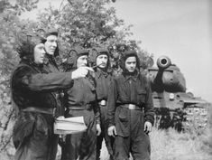 Soviet officer puts the combat mission crew commander heavy tank IS-2.